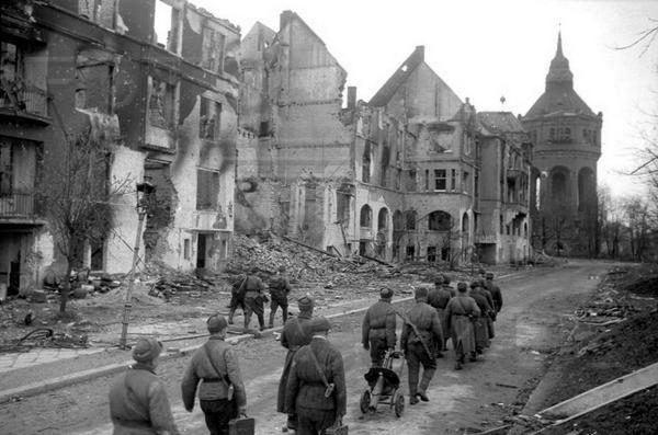 TWIERDZA WROCŁAW-Festung Breslau - 80 dni, które zabiły miasto2