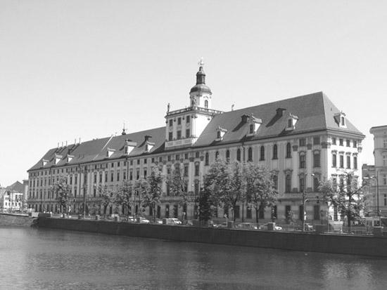 gmach główny uniwersystetu wrocławskiego