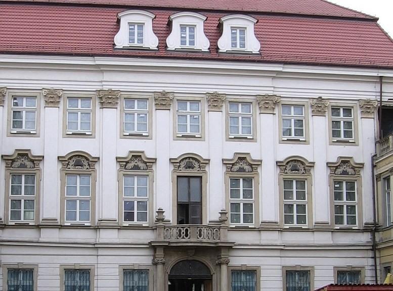Wroclaw ul. Kazimierza Wielkiego - pałac Spatgena
